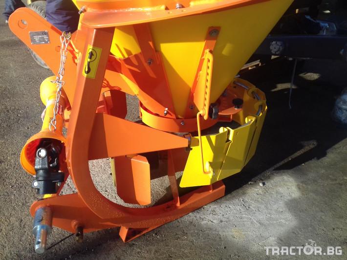 Техника за почистване МАШИНА ЗА ОПЕСЪЧАВАНЕPRONAR 1 - Трактор БГ